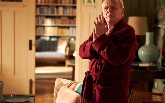 """Kadr z filmu """"Ojciec"""" z Anthonym Hopkinsem w roli głównej. Wybitny aktor dostał za tę rolę Oscara"""