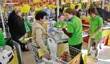 Rośnie spór w Biedronce. Pracownicy chcą, by sklepy były w piątki i soboty otwarte do 21.00. Realne?