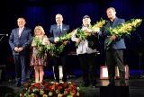 Kino Forum. Nagroda Artystyczna Prezydenta Miasta Białegostoku: Jerzy Kalina, Andrzej Zaborski, Wojciech Hernik, Łucja Lisowska. Był Turnau