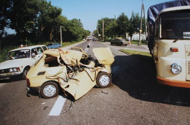 Podlaskie. Kiedyś na drogach było bezpieczniej? Wypadki z przełomu wieków na archiwalnych zdjęciach