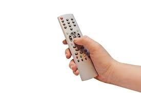 Sportowy weekend w telewizji jeszcze bez futbolu, ale będą duże emocje żużlowe i kolarskie