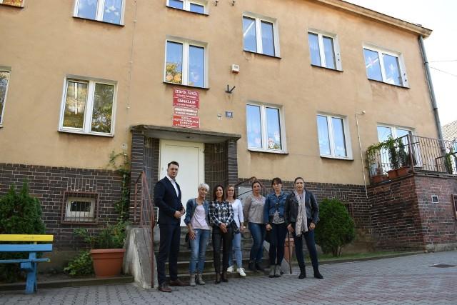 Rodzice od lat starają się o lepsze warunki dla swoich dzieci, którzy uczęszczają do szkoły specjalnej w Krośnie Odrzańskim. Przeniesienie do Radnicy może być jedynym rozwiązaniem.