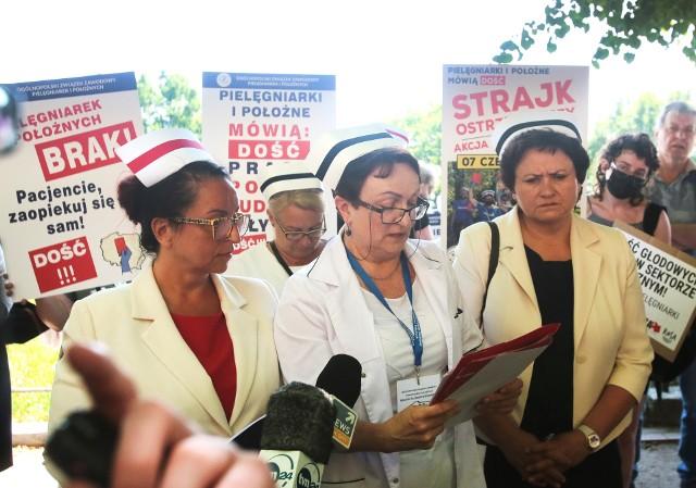 Ogólnopolski strajk ostrzegawczy pielęgniarek w Szczecinie 7.06.2021