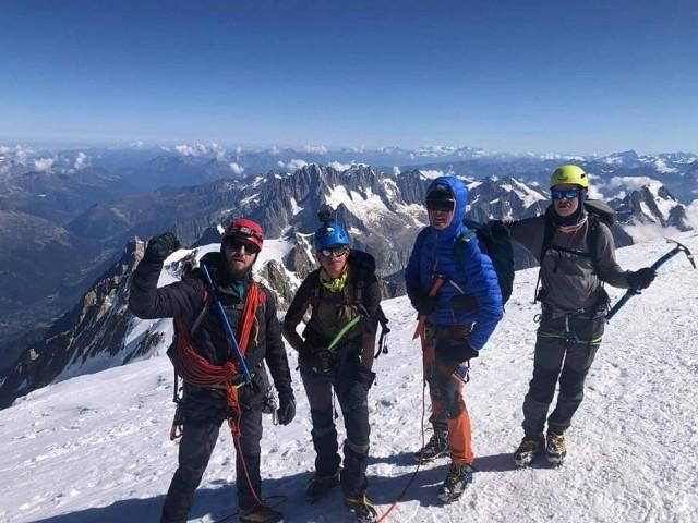 Podróż rozpoczęła się 27 sierpnia. Po trzech dniach Paweł, Arkadiusz, Kamil i Marcin byli już na Gran Paradiso, z kolei 1 września na Mont Blanc. Zobacz niesamowite zdjęcia z wyprawy --->