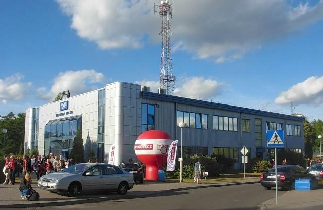 """Siedziba TVP3 Bydgoszcz podczas corocznego festynu """"Drzwi otwarte TVP""""."""