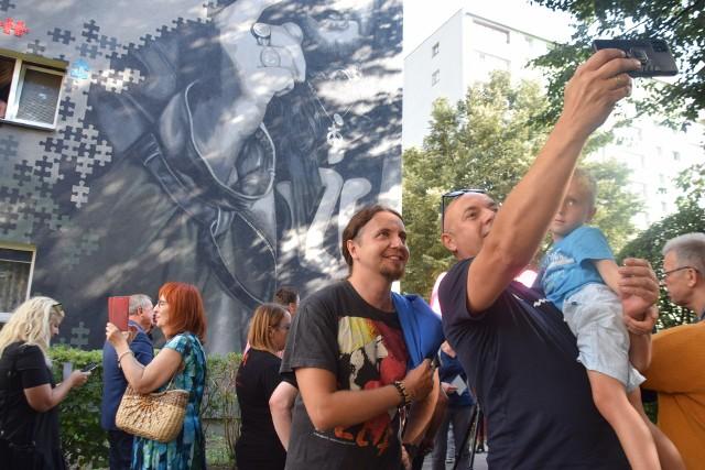 Odsłonięcie murala Ryśka Riedla w Tychach