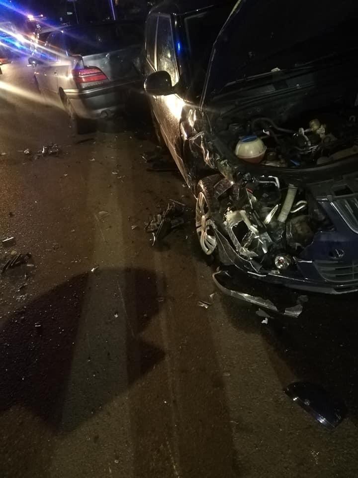 Rozbite auta na ul. Dembowskiego w Szczecinie.