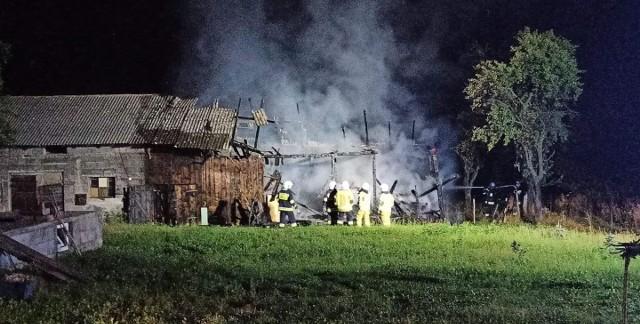 Pożar zabudowań gospodarczych na jednej z posesji w Wielmoży