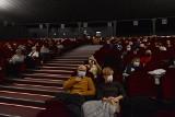 Niezwykły wieczór w Kinie Kultura w Starachowicach z okazji Dnia Kobiet. Film z muzyką na żywo. Zobaczcie zdjęcia