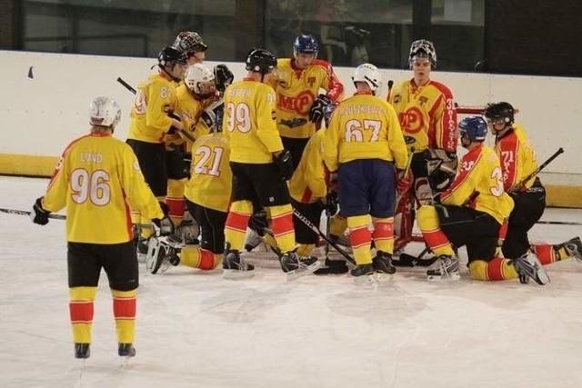 ADH Białystok podczas meczu hokejowego na białostockim lodowisku.