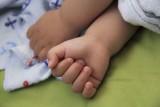 Pijani rodzice opiekowali się 1,5-rocznym synkiem. Matka miała 3,5 promila!