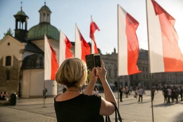 12 listopada: dzień wolny. Długi weekend w listopadzie. Sejm przegłosował, 12 listopada będzie świętem państwowym. Kto pracuje 12 listopada?