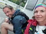 Bieg charytatywny dla Kasi Bogdanowicz z Gdańska chorej na białaczkę. Dwoje biegaczy pokonało stumilowy dystans z Torunia do Malborka