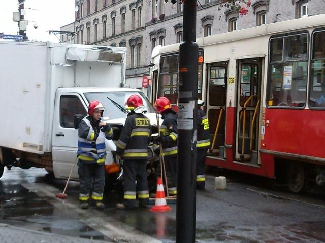 Wypadek: Zderzenie samochodu dostawczego z tramwajem w Świętochłowicach