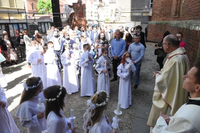 Uroczystość Pierwszej Komunii Świętej w Kościele św. Jakuba w Toruniu