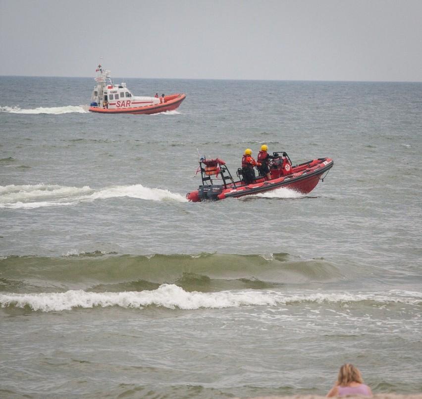 Kolejne ofiary Bałtyku. W Rozewiu utonęli ojciec z synem. Rodzina z Częstochowy przebywała nad morzem na wakacjach