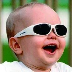 Przebywając na słońcu zazwyczaj pamiętamy o ochronie naszej skórze. Nie zapominajmy też o oczach