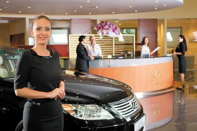 Klaudia Romanowska - Okińczyc, dyrektor zarządzający salonu Lexus Kraków, może pochwalić się najlepszym wynikiem sprzedaży aut tej marki w Polsce w całym 2009 roku.