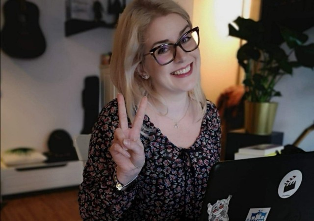 """Agnieszka Jankowiak-Maik, czyli """"Babka od histy"""" prowadzi popularny kanał na Youtube. Teraz za swoją działalność otrzymała ogromne wyróżnienie."""