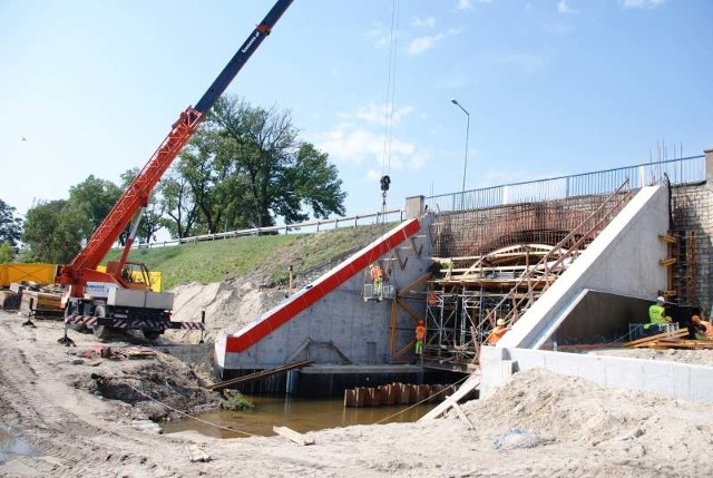 Remont mostu  na dk 45 w Opolu-Gosławicach.
