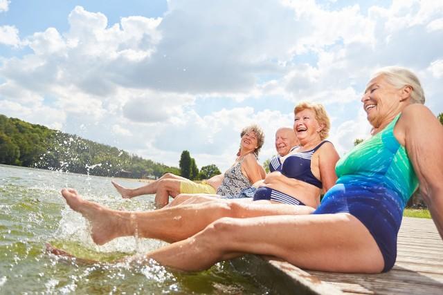 Polski Bon Turystyczny dla emerytów i rencistów? W Senacie padła propozycja, by 500 plus na wakacje było także dla seniorów.