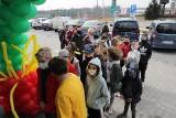 McDonald's w Piekarach Śląskich już jest otwarty. Tłumy klientów czekały przed wejściem