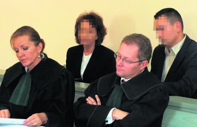 Kazimiera T. zasiadła na ławie oskarżonych z synem Wojciechem