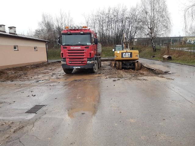 W Wieliczce ruszyła budowa bazy dla gminnych autobusów. Obiekty za prawie 1,7 mln zł powstają przy ul. Jedynaka, na  terenie dawnej bazy wielickiego Zakładu Gospodarki Komunalnej