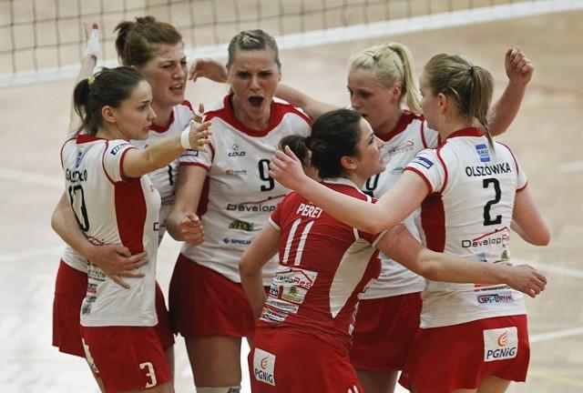 Developres Rzeszów - Karpaty Krosno 3:1Developres Rzeszów, w pierwszym meczu II fazy play-off, pokonał Karpaty Krosno 3-1.