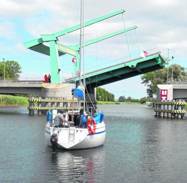 Most zwodzony na Szkarpawie w Drewnicy