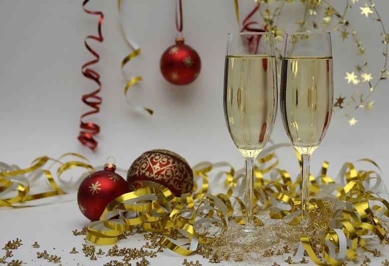 Пожелания и тосты на Новый год. Для отправки по SMS. Коротко, весело и с идеей