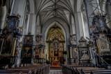 W kościele pw. św. Mikołaja w Gdańsku znaleziono fragmenty welonu oraz dziecięcych bucików. Były ukryte pod posadzką