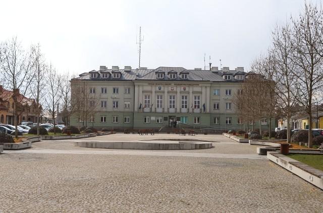 Od poniedziałku będzie ograniczona bezpośrednia obsługa  interesantów w Urzędzie Miasta i Gminy oraz Starostwie Powiatowym w Białobrzegach.