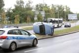 Dachowanie w Szczecinie: Za Mostem Cłowym rozbiła się osobówka