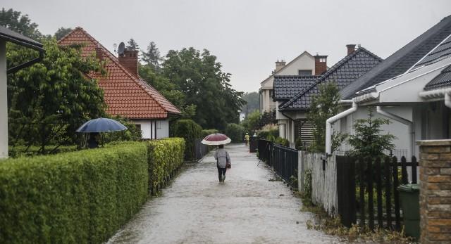 Nowa wersja podatku deszczowego ma objąć 20 razy więcej nieruchomości niż poprzednia.