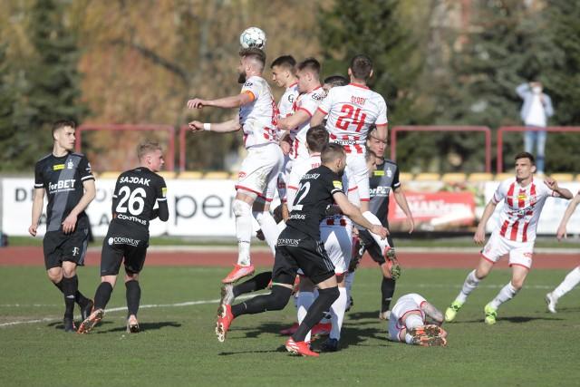 Po golu Jakuba Wróbla Apklan Resovia wygrała na własnym obiekcie z wyżej notowanym ŁKS-em Łódź 1:0. Zobaczcie zdjęcia z tego meczu. [RELACJA]
