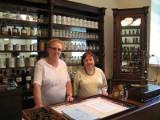 Irena Kałłaur: Magister farmacji z tradycją