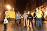 Pijani Brytyjczycy zmorą na ulicach w centrum Krakowa [ZDJĘCIA]