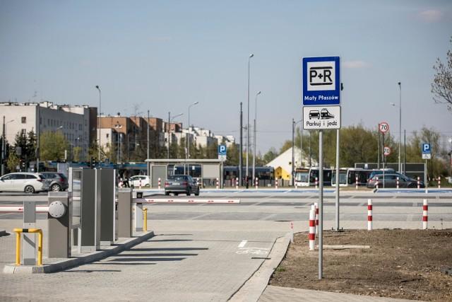 Kraków ma tylko cztery parkingi typu P&R. Zapotrzebowanie jest o wiele większe, światełka w tunelu na razie nie widać