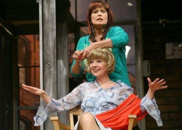 """W Teatrze Dramatycznym w Bialymstoku Pawel Malaszynski wystąpi w spektakl """"Perfect Day"""" Liz Lochhead. Bedzie go mozna obejrzec dwukrotnie, 10 listopada o godz. 17 i 20."""