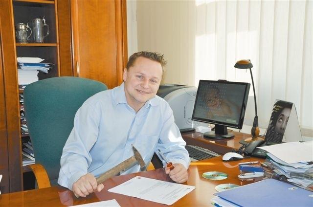 - Konkretny fach w ręku i znajomość języków to klucz do sukcesu - mówi dr Wojciech Duczmal. (fot. WSZIA)