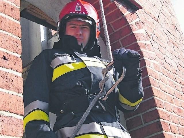 Marcin Cepa jest strażakiem od blisko dziesięciu lat. Wierzy że wróci do pracy.