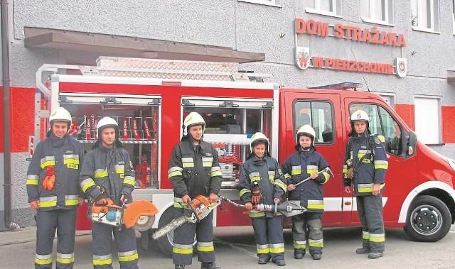 Pierzchowscy strażacy z entuzjazmem przyjęli nowy samochód. Zostanie on poświęcony w niedzielę