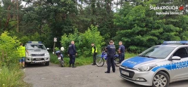 Weekendowe kontrole policji i strażników leśnych zakończyły się m.in. mandatami. Zatrzymany został także kierowca pod wpływem narkotyków Zobacz kolejne zdjęcia/plansze. Przesuwaj zdjęcia w prawo - naciśnij strzałkę lub przycisk NASTĘPNE