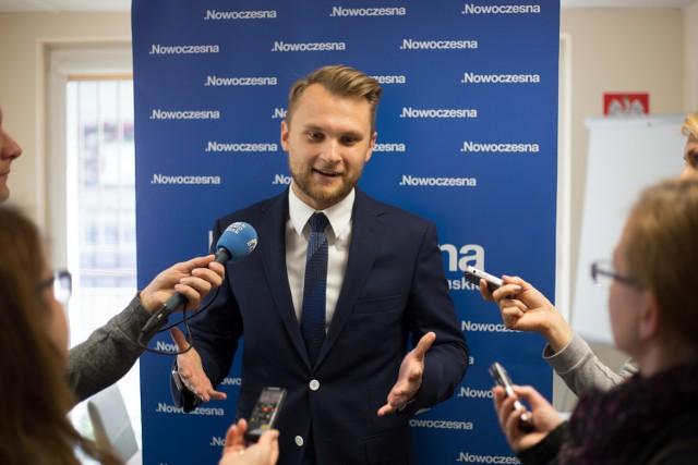Poseł Krzysztof Truskolaski będzie interweniował w sprawie filmu Smoleńsk Antoniego Krauze