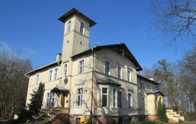 Dwór w Mochlu zyska w tym roku m.in. nowy dach