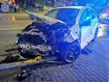 Nocny wypadek w Koszalinie. Na Franciszkańskiej zderzyły się dwa auta [ZDJĘCIA]