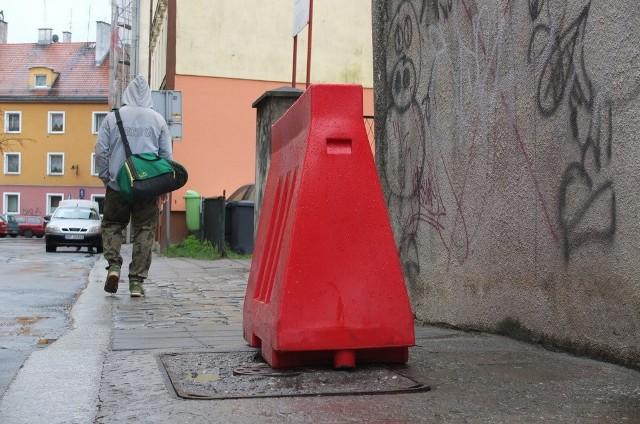 Chodnik na ulicy Łangowskiego w Opolu.