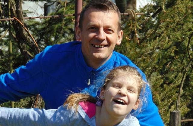 Zbigniew Kazała wraz ze swoją 11-letnią córką Karolinką.
