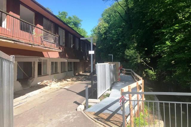 Rozbiórka budynku dawnej strażnicy przy moście Przyjaźni w Cieszynie